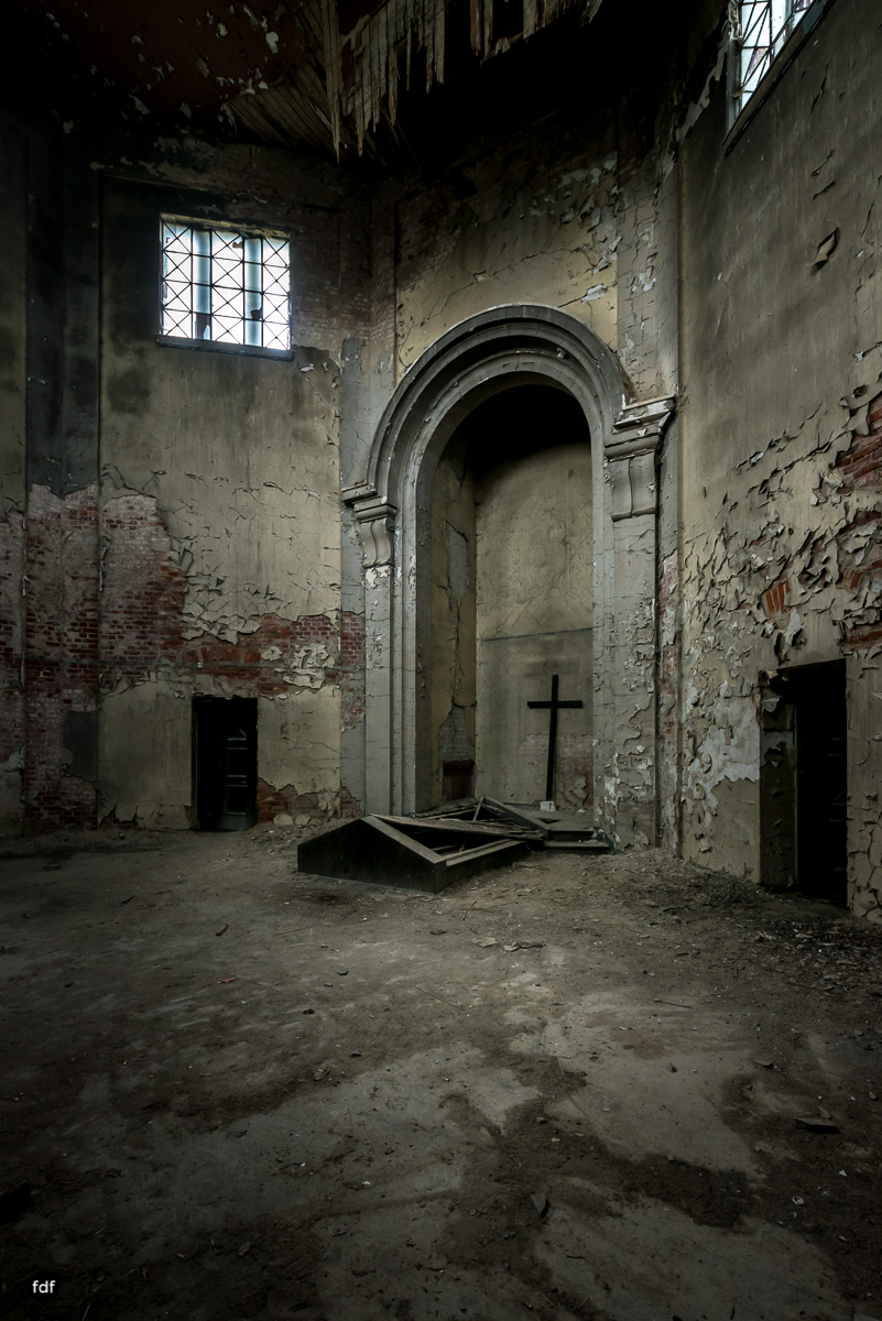 Krematorium D-Friedhof-Lost-Place-17.JPG