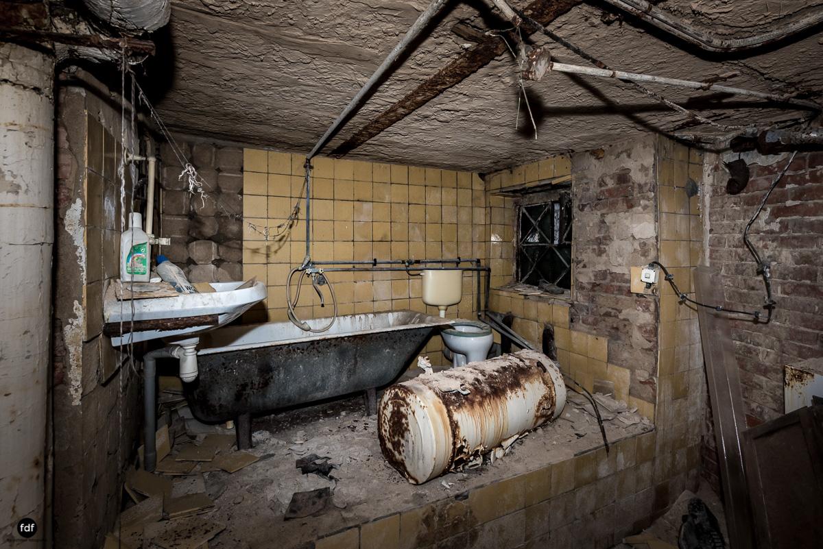 Krematorium D-Friedhof-Lost-Place-52.JPG