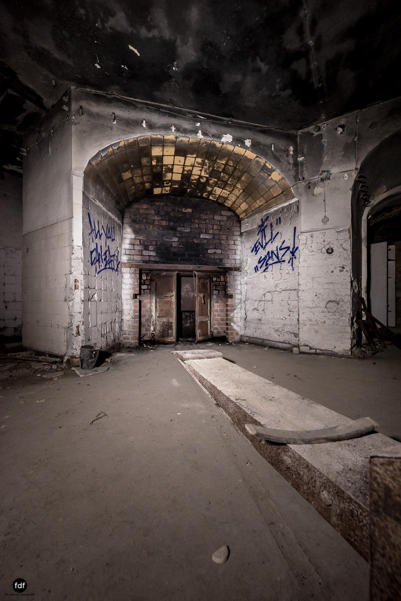 Krematorium D-Friedhof-Lost-Place-71.JPG