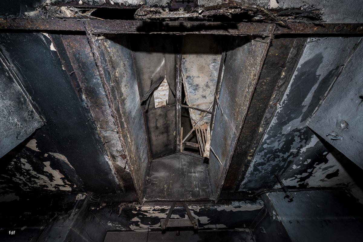 Krematorium D-Friedhof-Lost-Place-76.JPG
