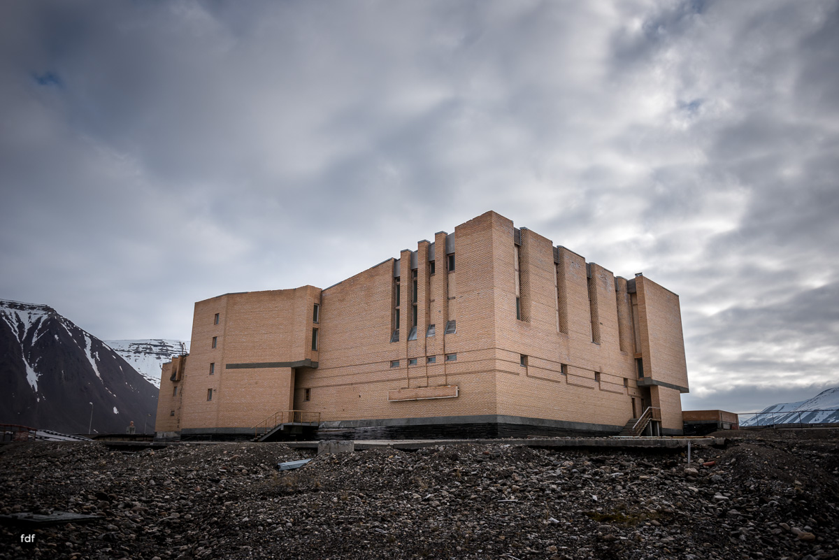 Pyramiden-Norwegen-Spitzbergen-Svalbard-Lost Place--395.JPG