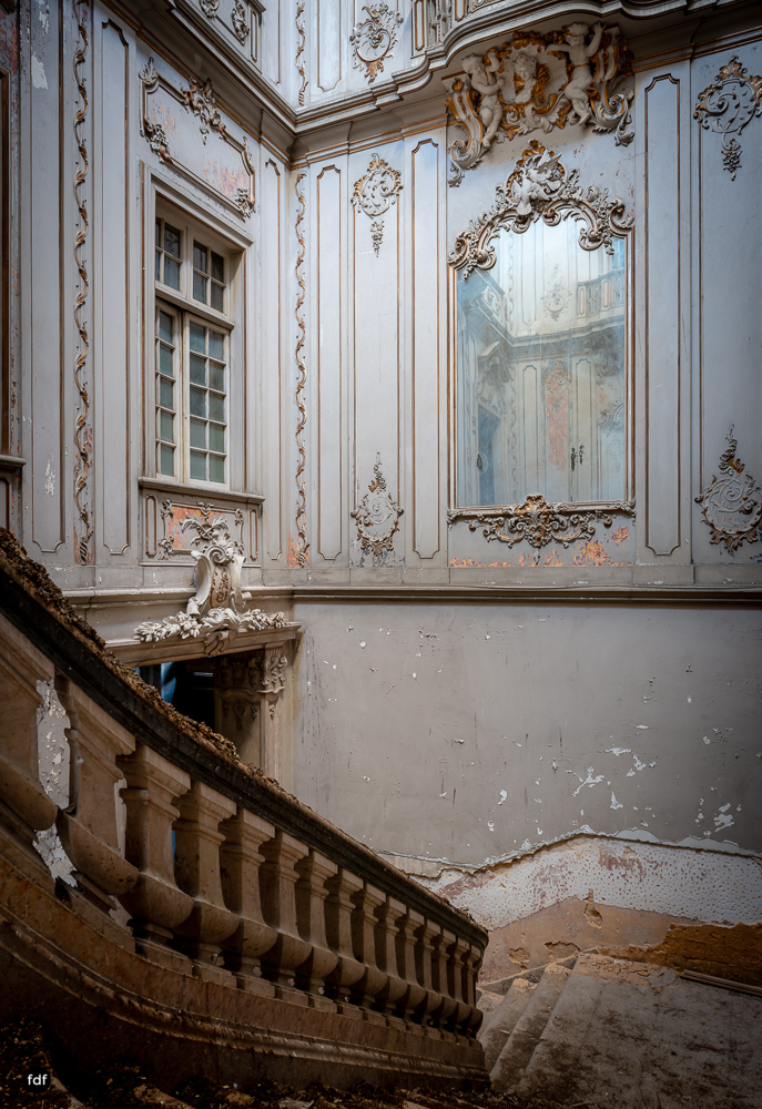 Dictatorship Palace-Herrenhaus-Lost Place-Portugal-67.JPG