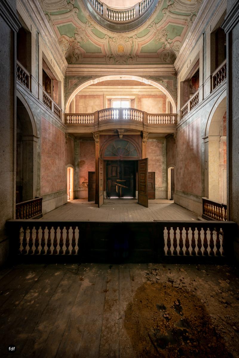 Palacio RG-Museum-Herrenhaus-Lost Place-Portugal-15.JPG