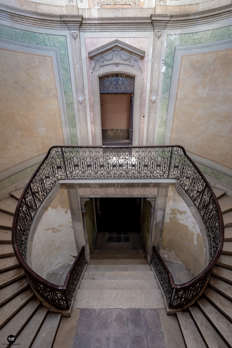 Palacio RG-Museum-Herrenhaus-Lost Place-Portugal-156-Bearbeitet.JPG
