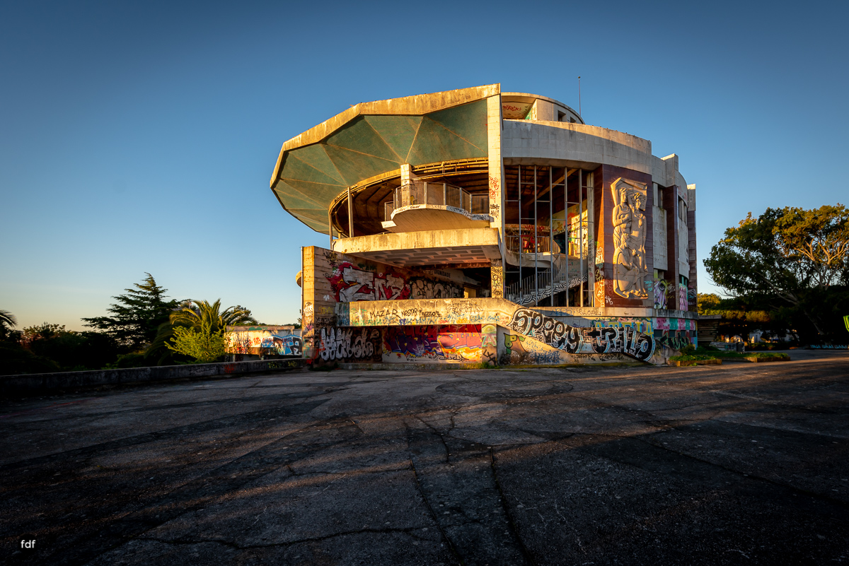 Restaurante Panorâmico-Lost Place-Portugal-69.JPG