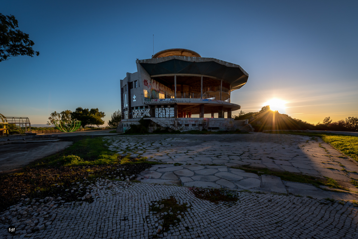 Restaurante Panorâmico-Lost Place-Portugal-88-Bearbeitet.JPG