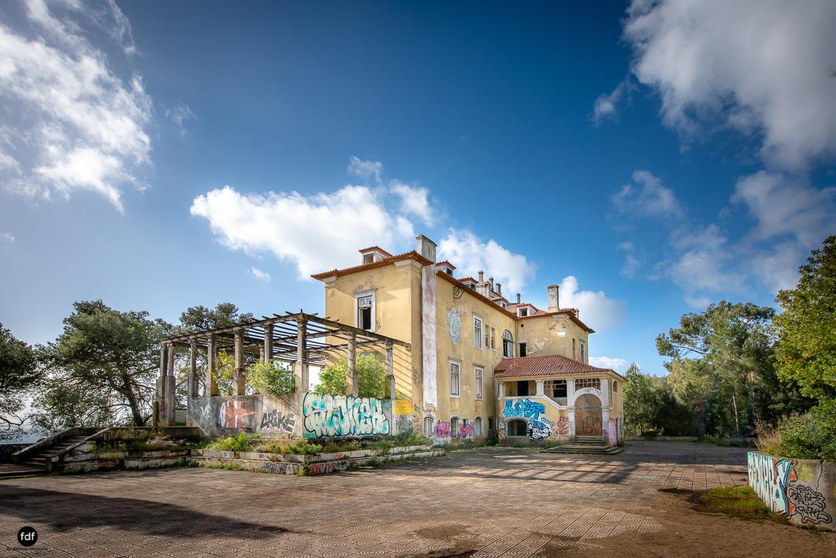 Palacio da C-Hotel Kennedy-Strand-Lost Place-Portugal-2.JPG