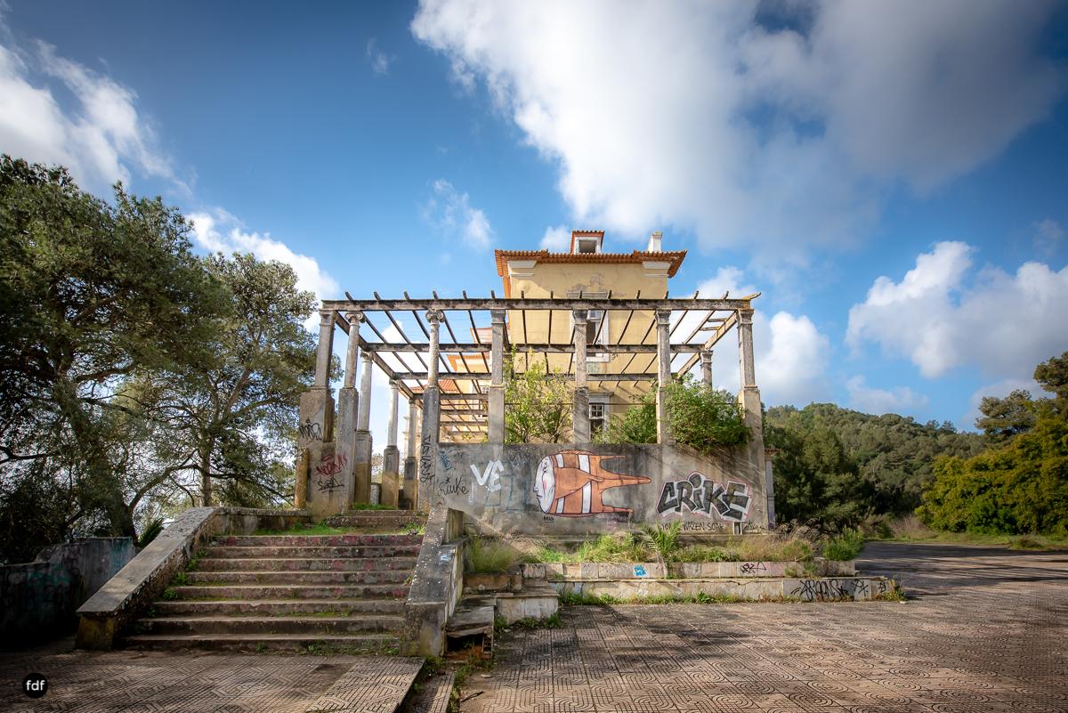 Palacio da C-Hotel Kennedy-Strand-Lost Place-Portugal-7.JPG