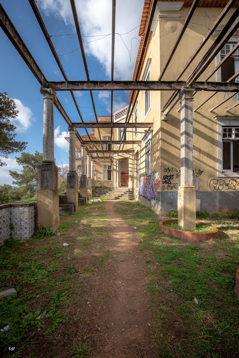 Palacio da C-Hotel Kennedy-Strand-Lost Place-Portugal-9.JPG