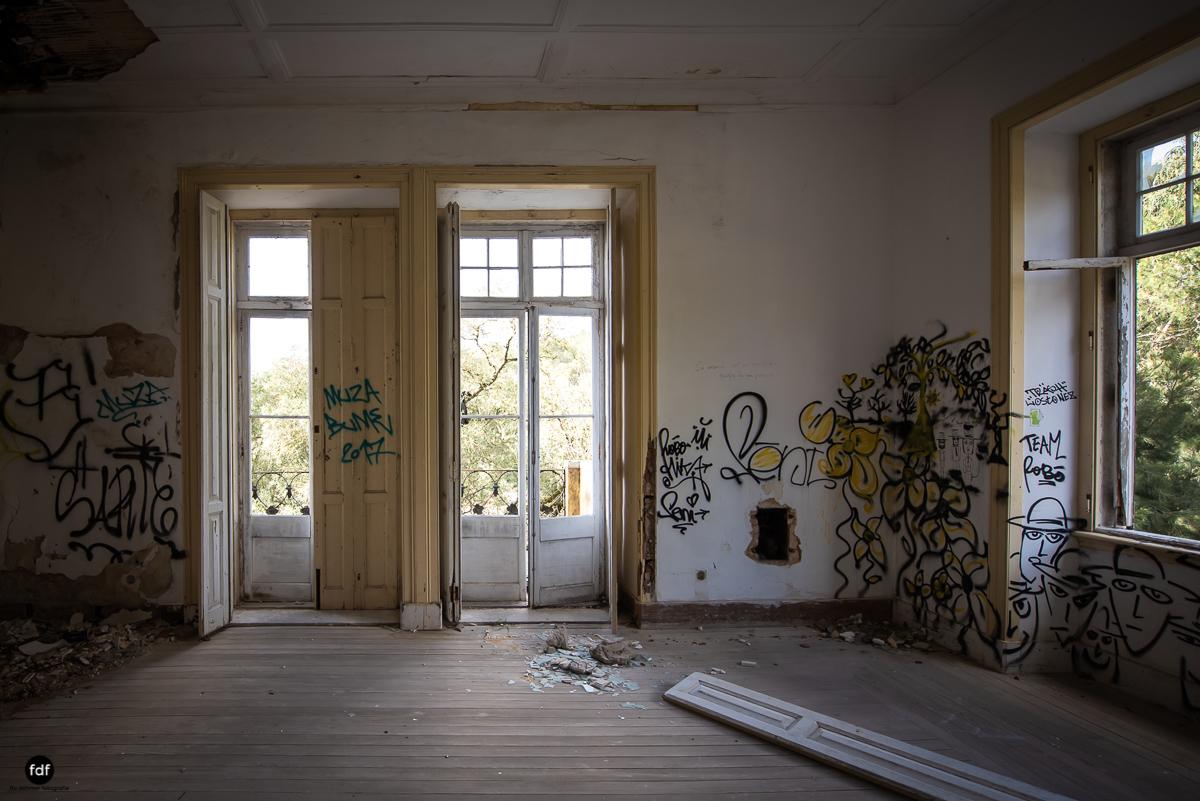 Palacio da C-Hotel Kennedy-Strand-Lost Place-Portugal-25.JPG