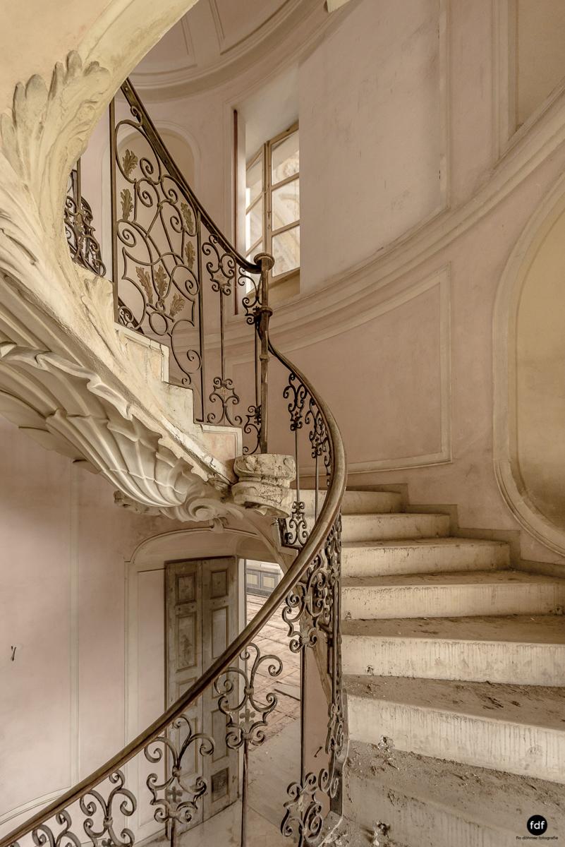 Villa dei Danzatori-Villa RosaPalazzo L-Herrenhaus-Lost Place-Italien-116.JPG