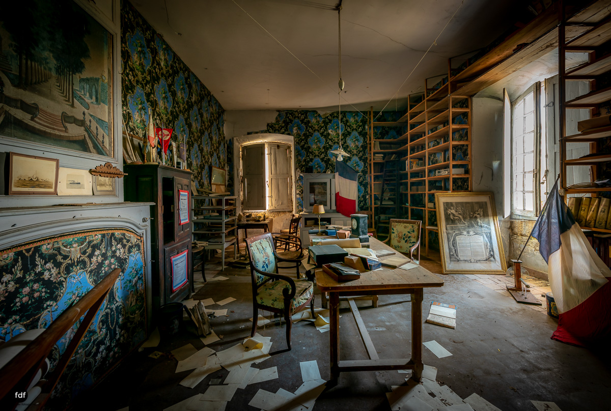 Chateau F-Schloss-Urbex-Frankreich-43.JPG
