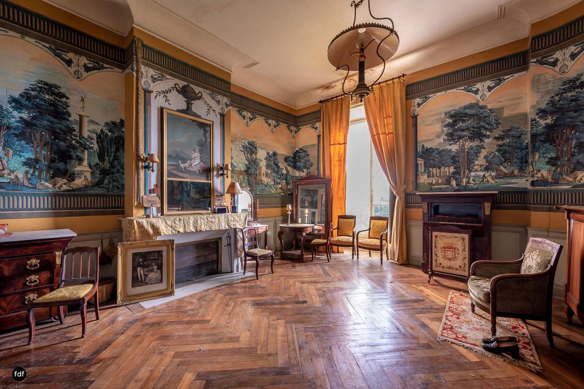Chateau F-Schloss-Urbex-Frankreich-138.JPG