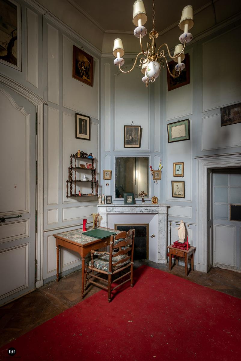 Chateau F-Schloss-Urbex-Frankreich-213.JPG