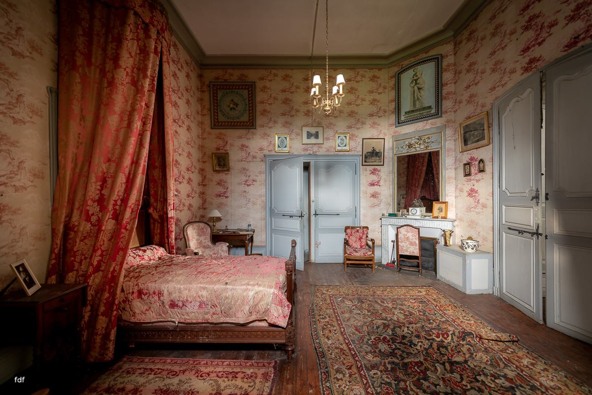 Chateau F-Schloss-Urbex-Frankreich-233.JPG