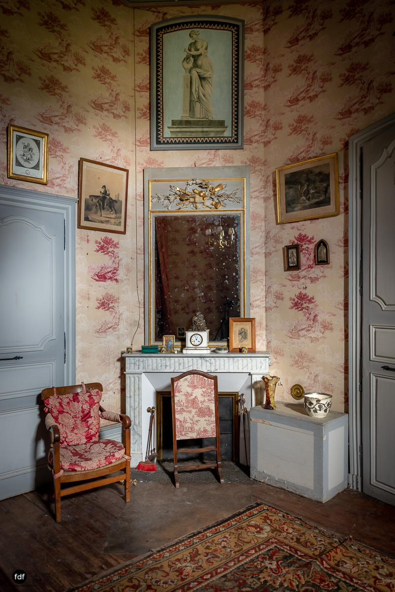 Chateau F-Schloss-Urbex-Frankreich-234.JPG