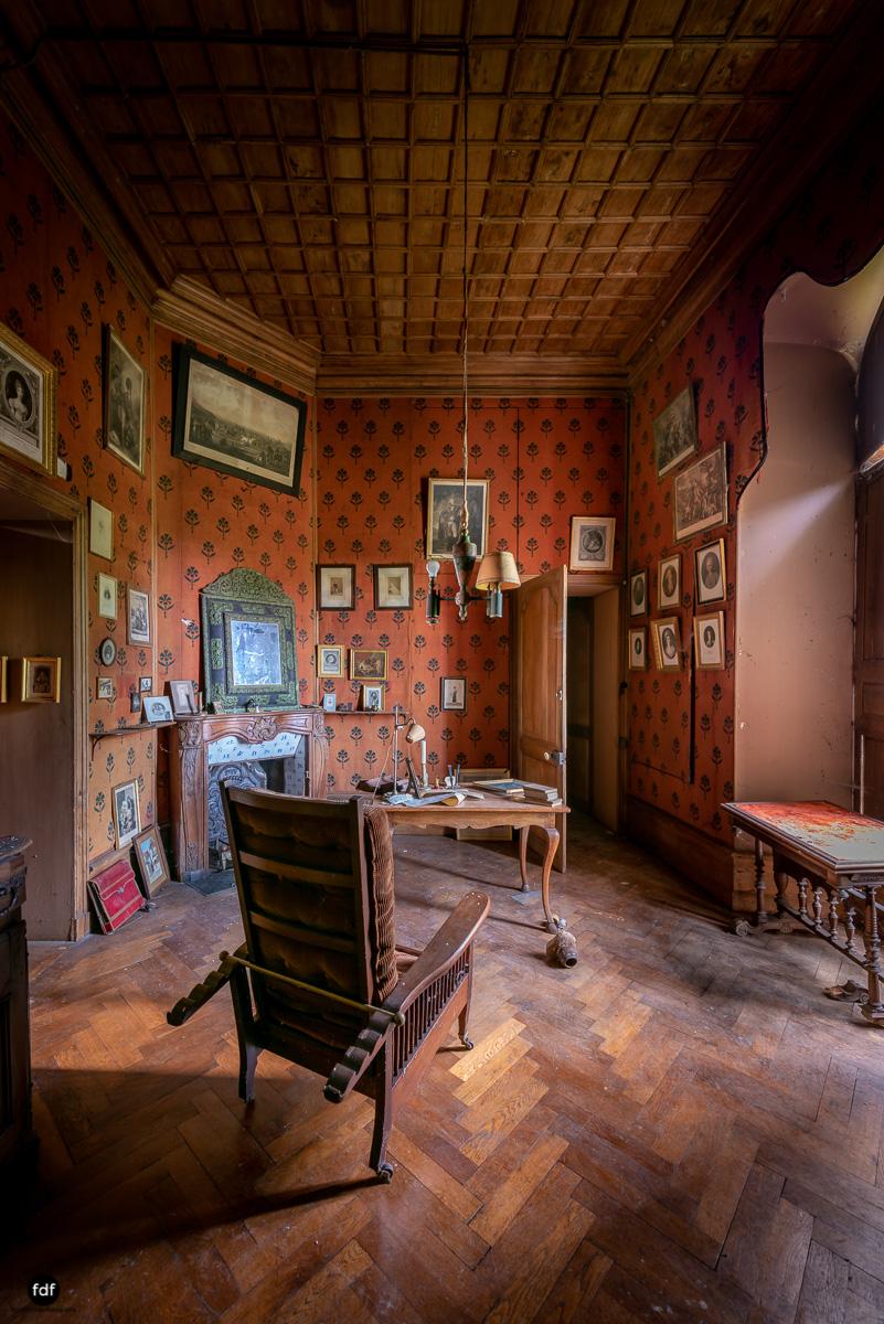Chateau F-Schloss-Urbex-Frankreich-294.JPG