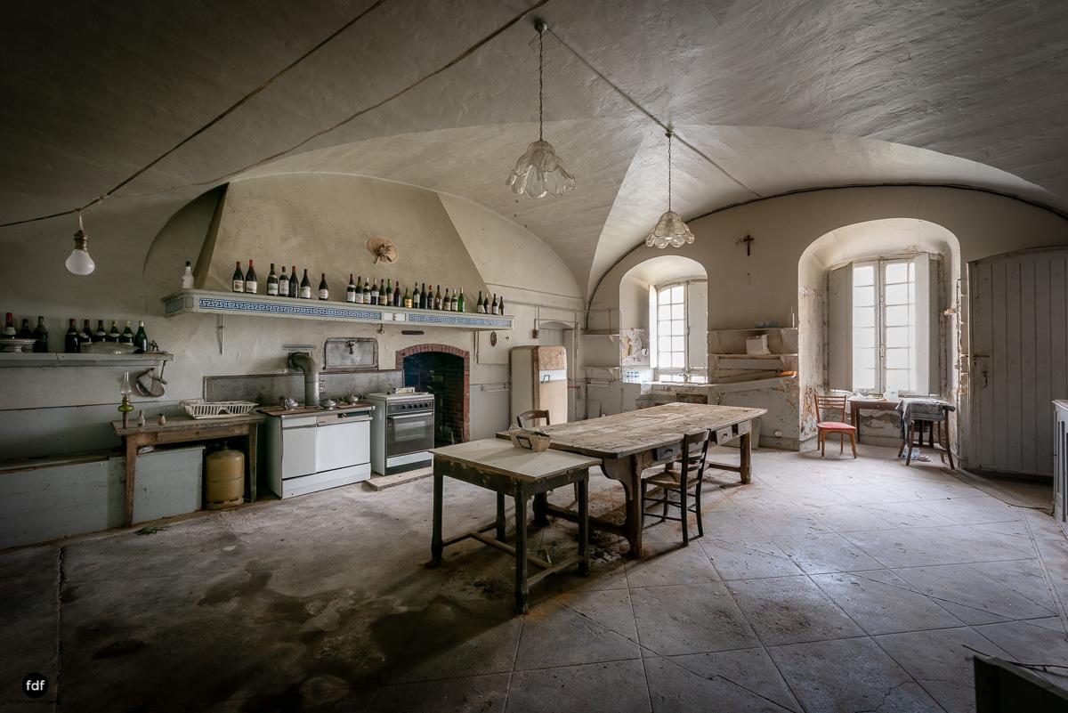 Chateau F-Schloss-Urbex-Frankreich-330.JPG