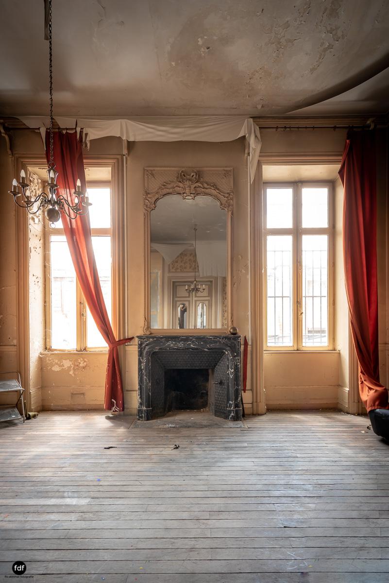 Palais de Ville-Stadtvilla-Urbex-Frankreich-24.JPG