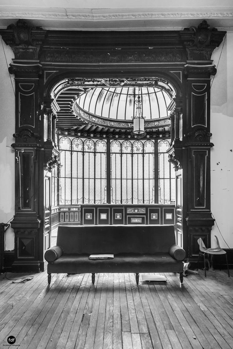 Palais de Ville-Stadtvilla-Urbex-Frankreich-54.JPG