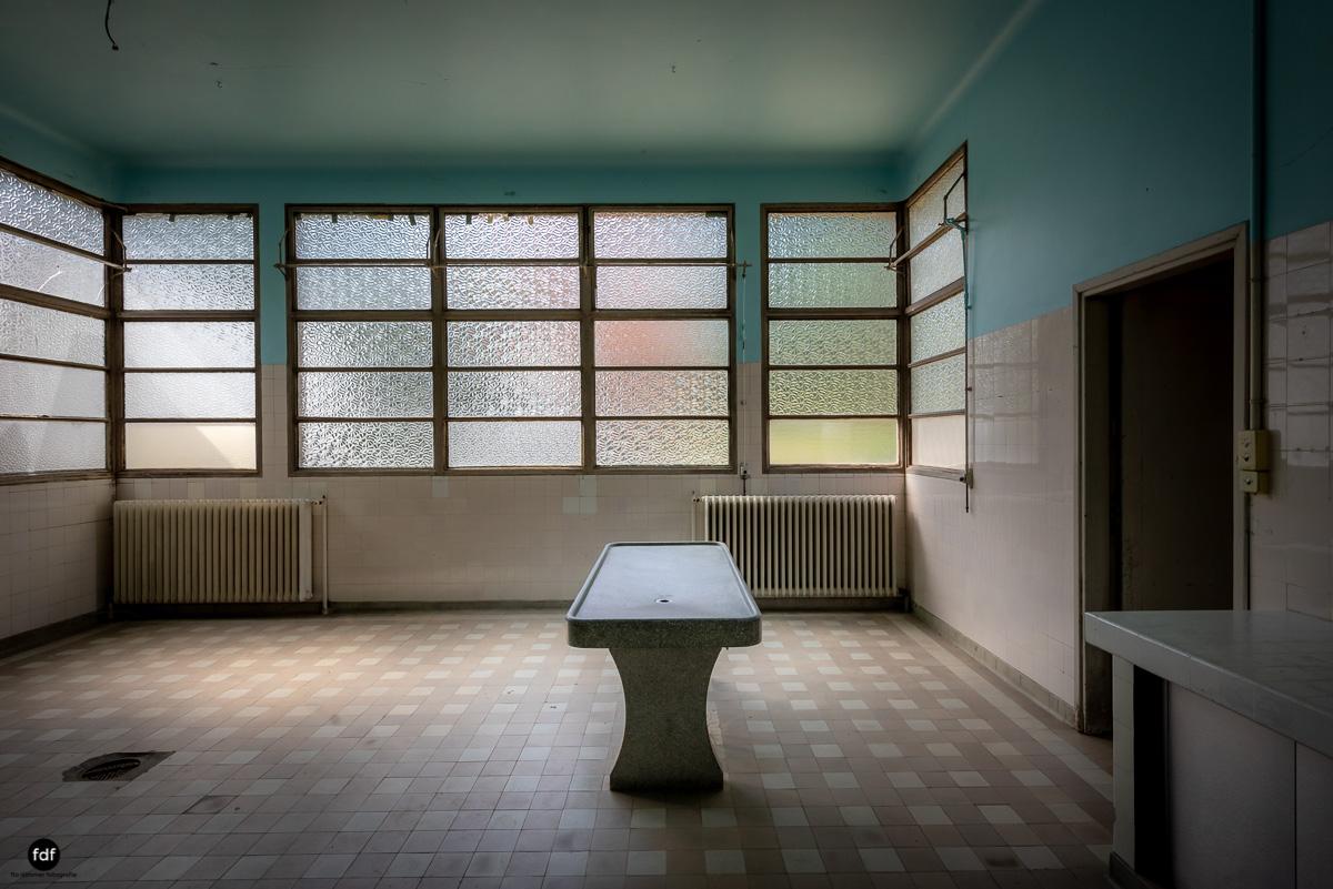 La Morgue-Leichenhalle-Urbex-Frankreich-37.JPG