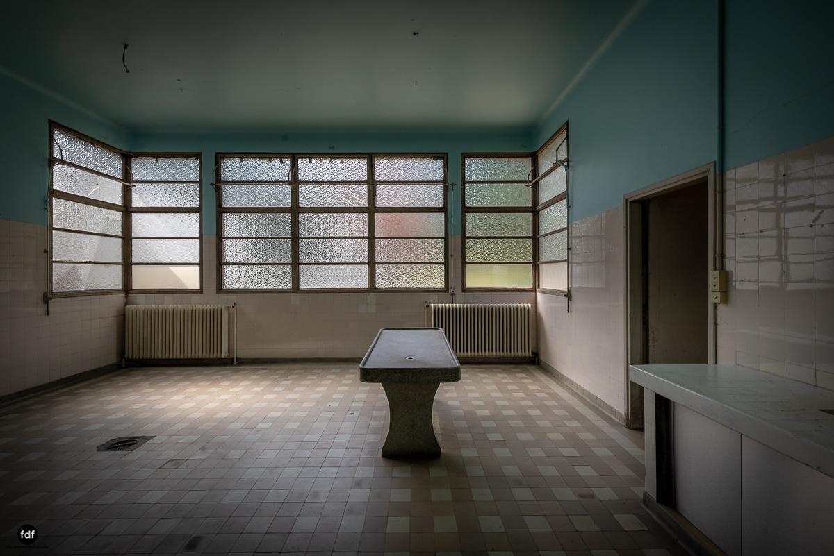 La Morgue-Leichenhalle-Urbex-Frankreich-39.JPG