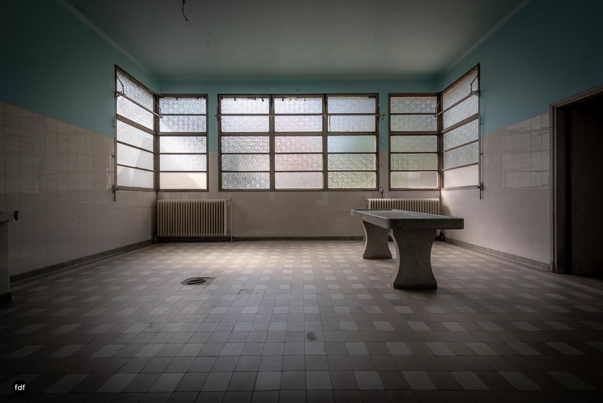 La Morgue-Leichenhalle-Urbex-Frankreich-60.JPG