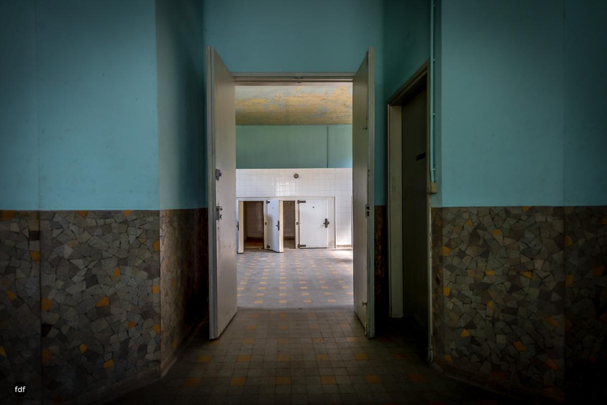 La Morgue-Leichenhalle-Urbex-Frankreich-73-Bearbeitet.JPG