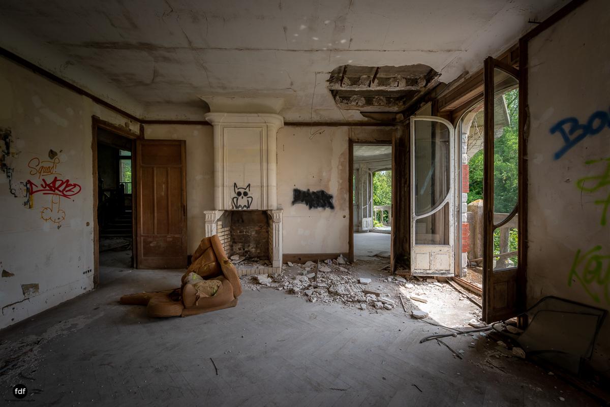 Manoir Colimacon-Herrenhaus-Wendeltreppe-Urbex-Frankreich-43.JPG