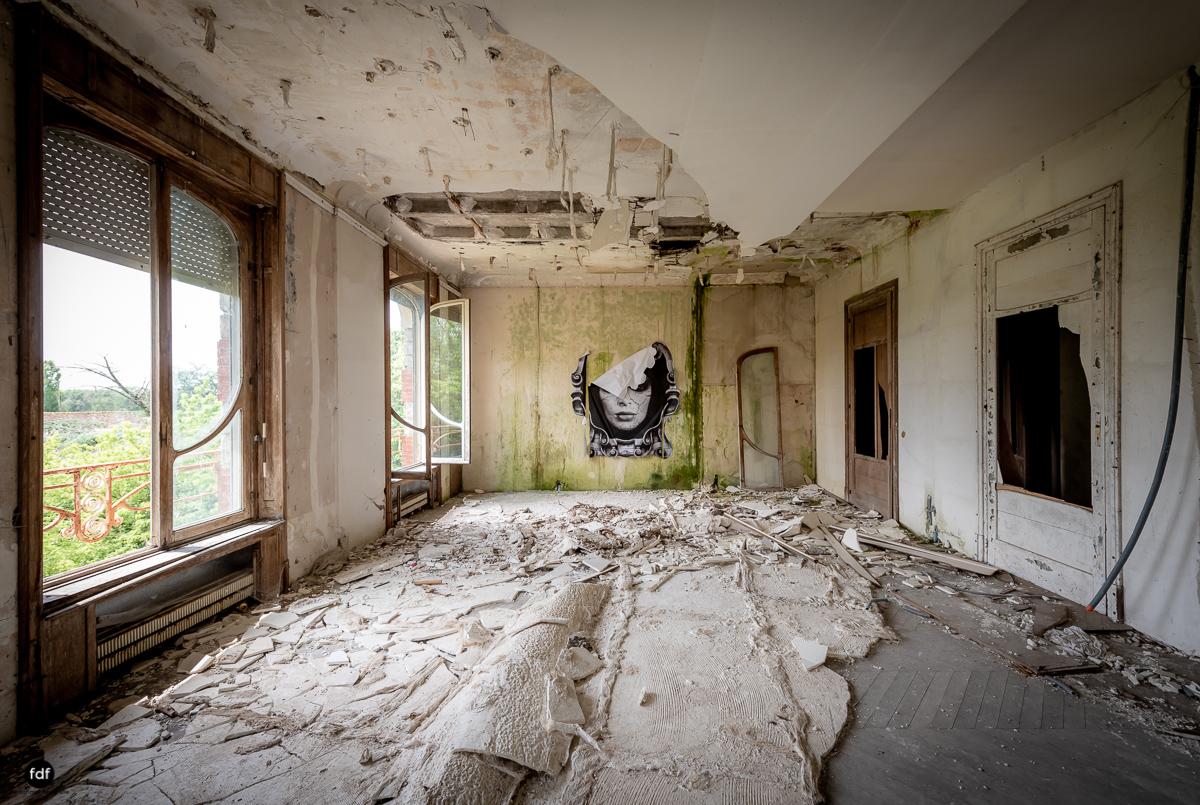 Manoir Colimacon-Herrenhaus-Wendeltreppe-Urbex-Frankreich-46.JPG