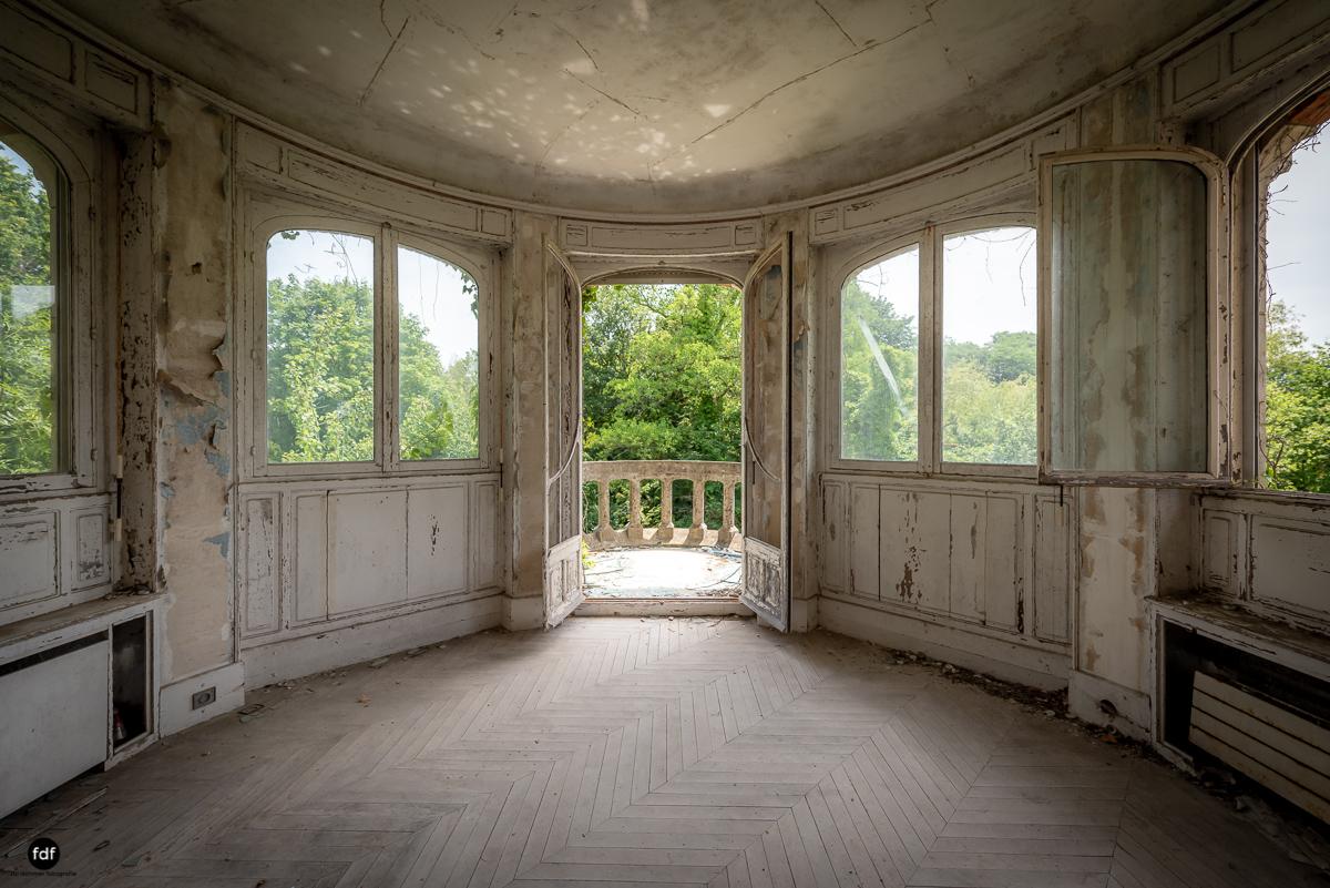 Manoir Colimacon-Herrenhaus-Wendeltreppe-Urbex-Frankreich-45.JPG
