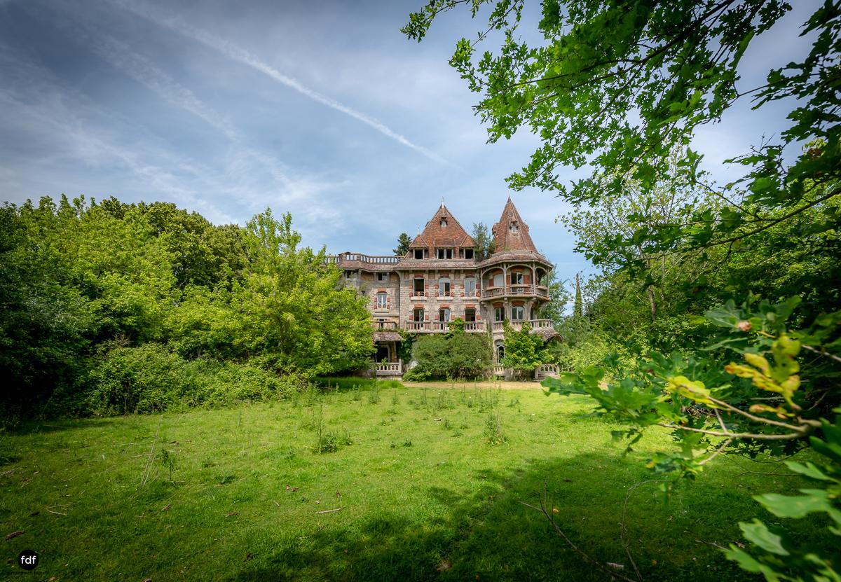 Manoir Colimacon-Herrenhaus-Wendeltreppe-Urbex-Frankreich-93.JPG