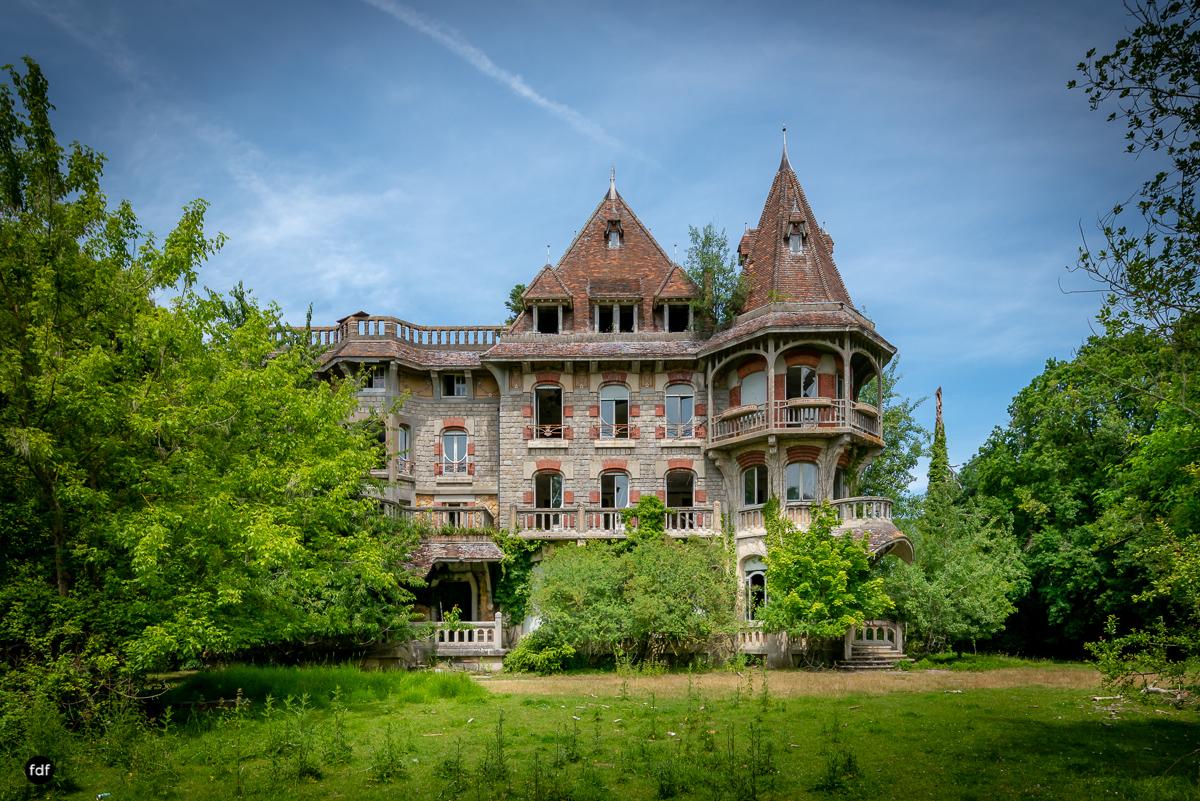 Manoir Colimacon-Herrenhaus-Wendeltreppe-Urbex-Frankreich-90.JPG