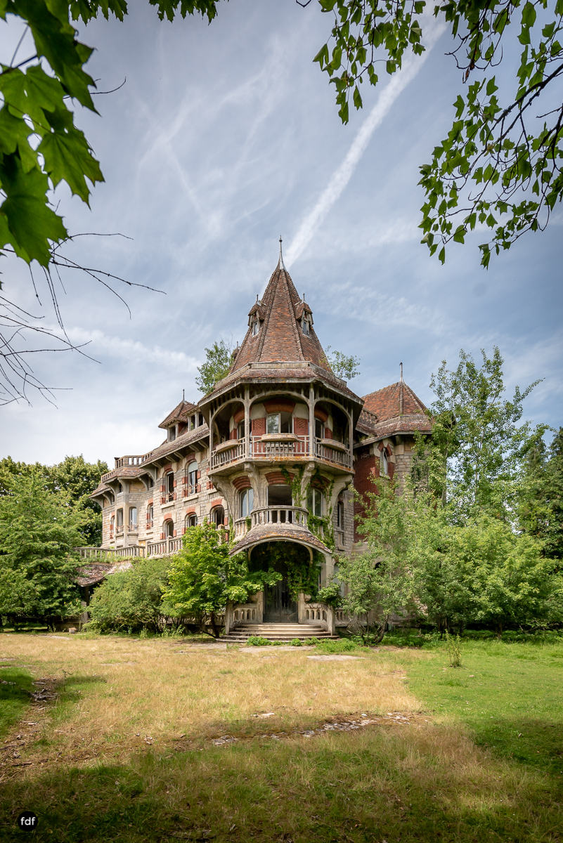 Manoir Colimacon-Herrenhaus-Wendeltreppe-Urbex-Frankreich-102.JPG