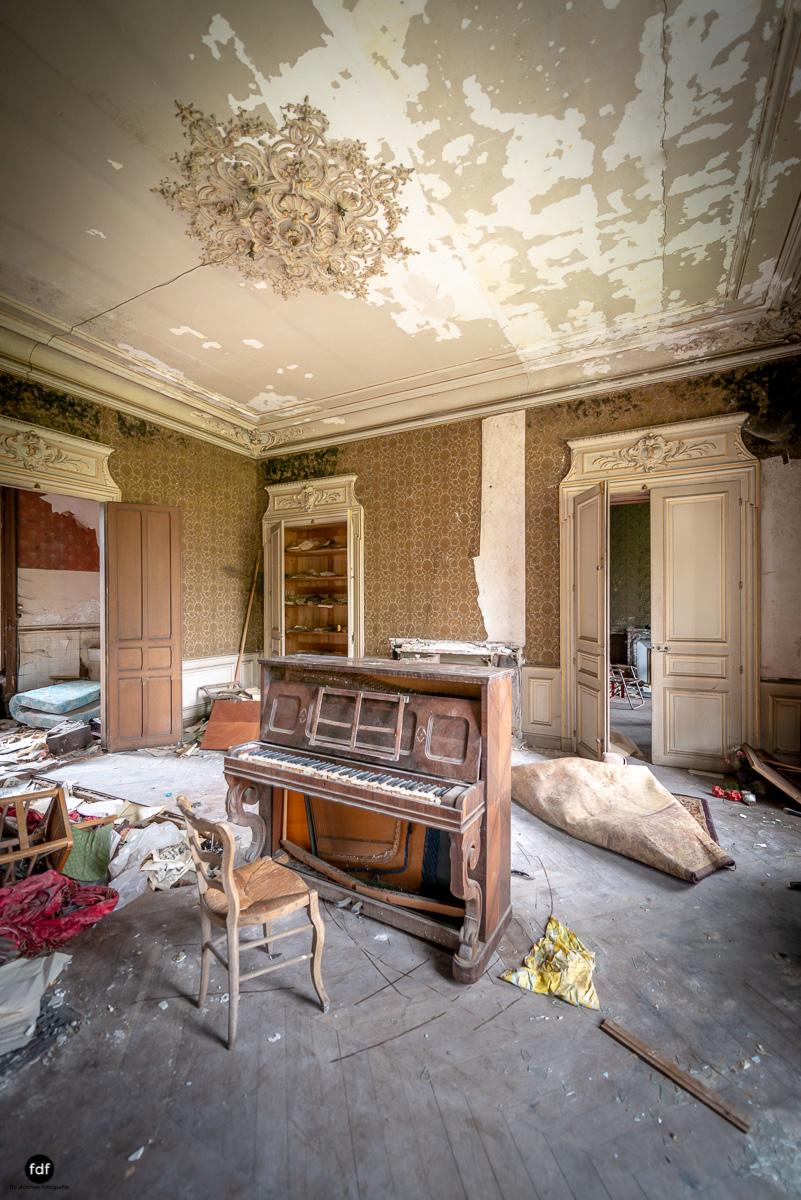Chateau Billard-Schloss-Brand-Urbex-Frankreich-6.JPG