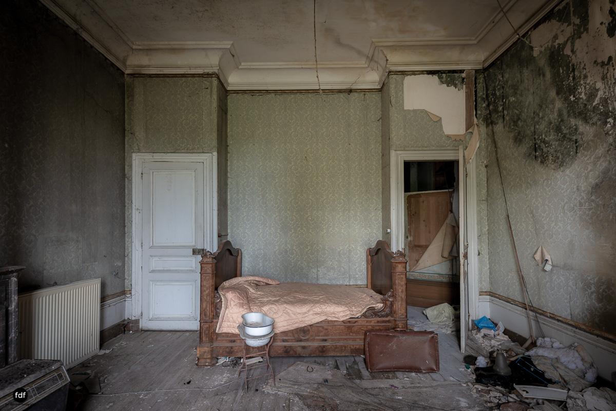 Chateau Billard-Schloss-Brand-Urbex-Frankreich-19.JPG