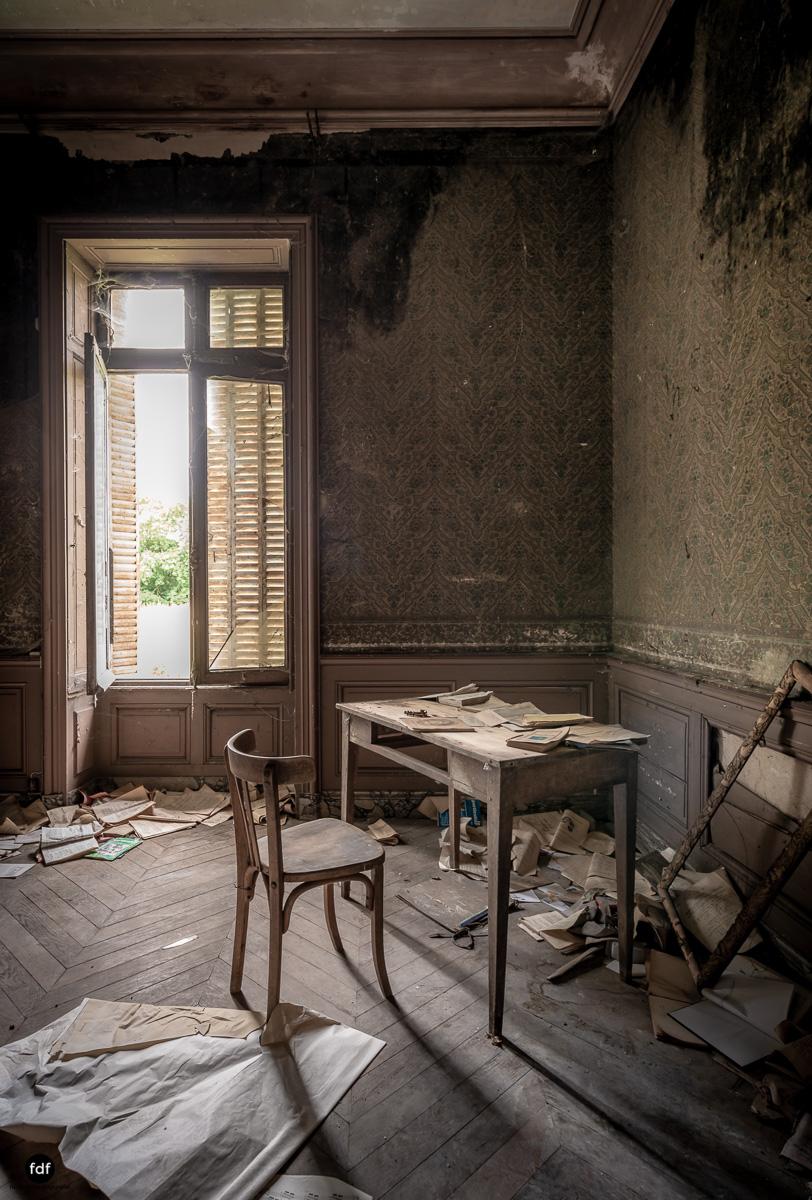 Chateau Billard-Schloss-Brand-Urbex-Frankreich-34.JPG