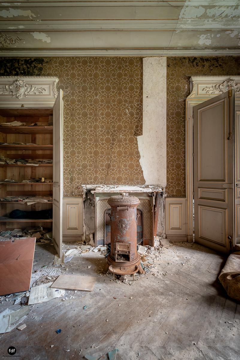Chateau Billard-Schloss-Brand-Urbex-Frankreich-38.JPG