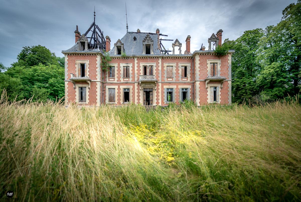 Chateau Billard-Schloss-Brand-Urbex-Frankreich-44.JPG