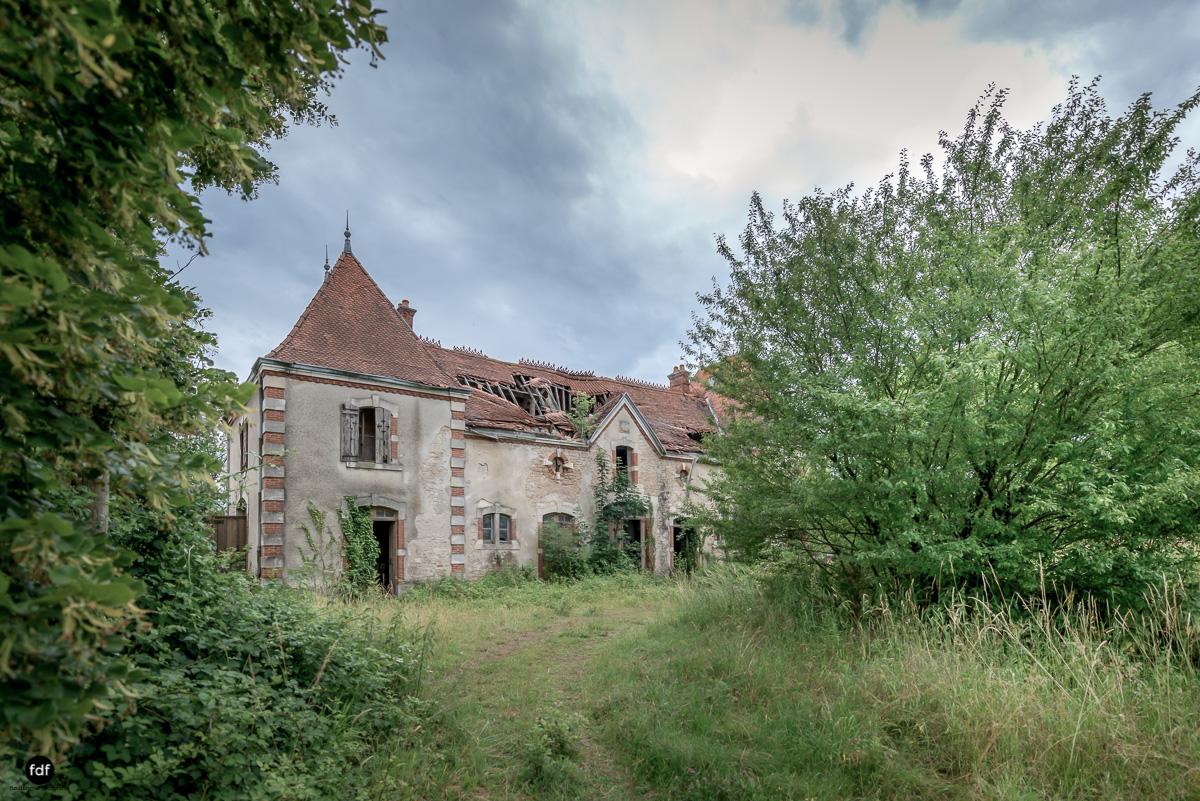 Chateau Billard-Schloss-Brand-Urbex-Frankreich-50-Bearbeitet.JPG