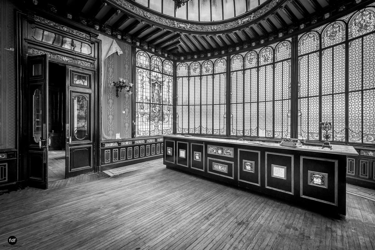 Palais de Ville-Stadtvilla-Urbex-Frankreich-51-Bearbeitet.JPG