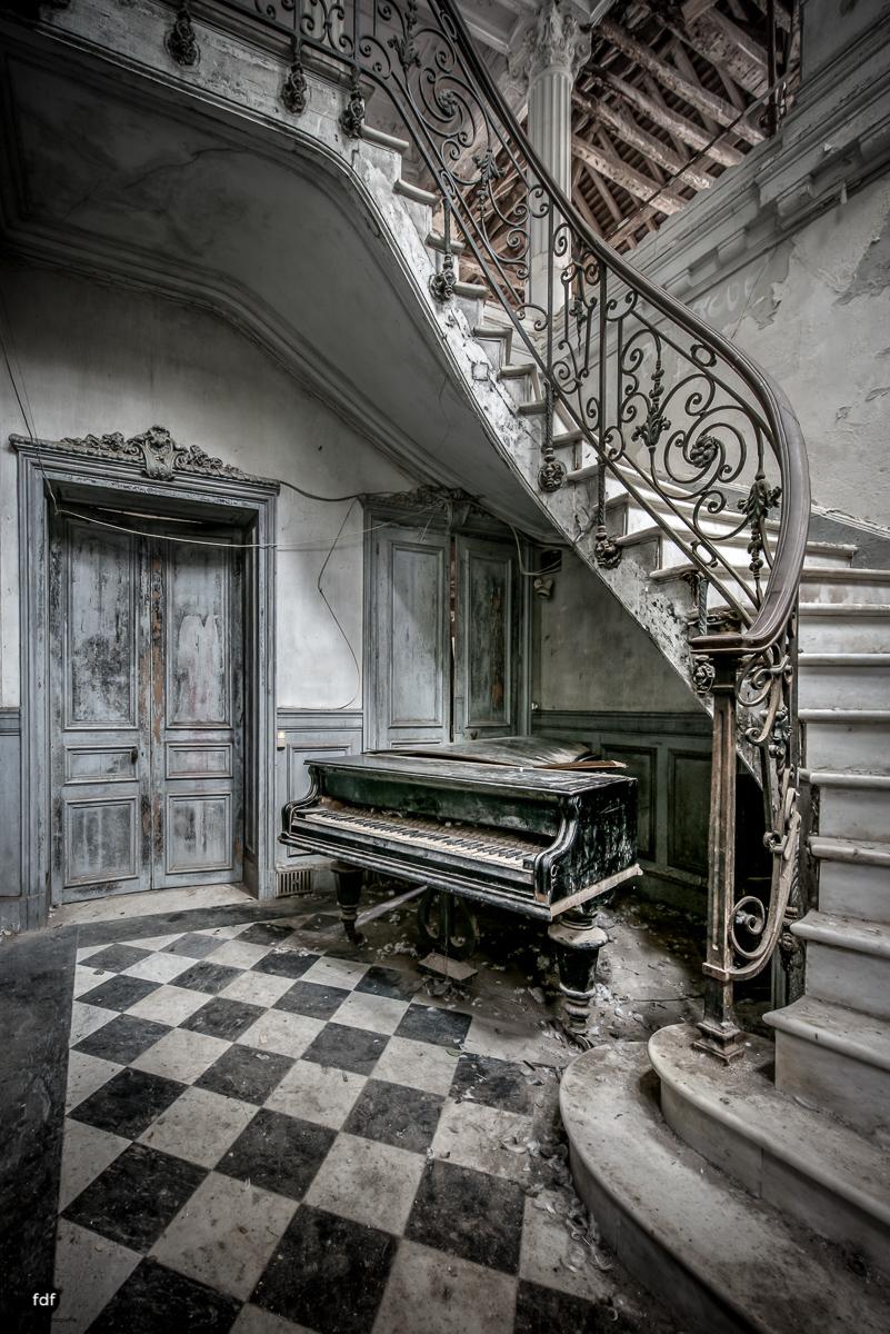 Chareau Verdure Lost Place Frankreich-17-Bearbeitet.JPG