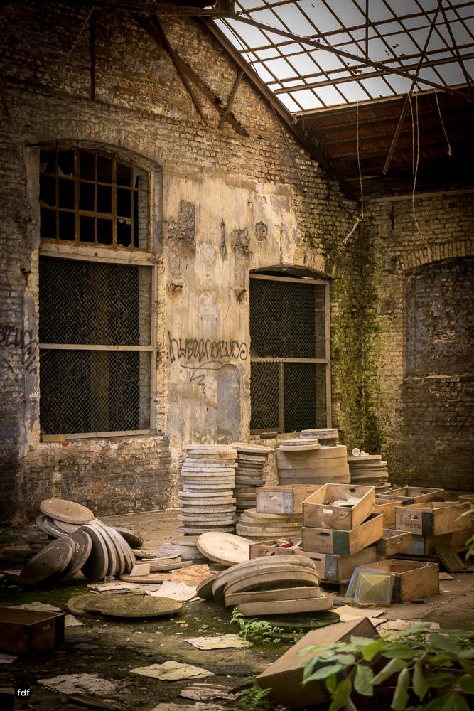 Cristallerie-Kristallfabrik-Lost Place-Belgien-13.JPG