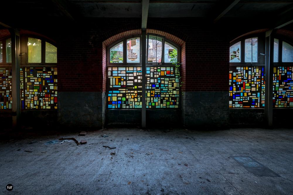Cristallerie-Kristallfabrik-Lost Place-Belgien-49.JPG