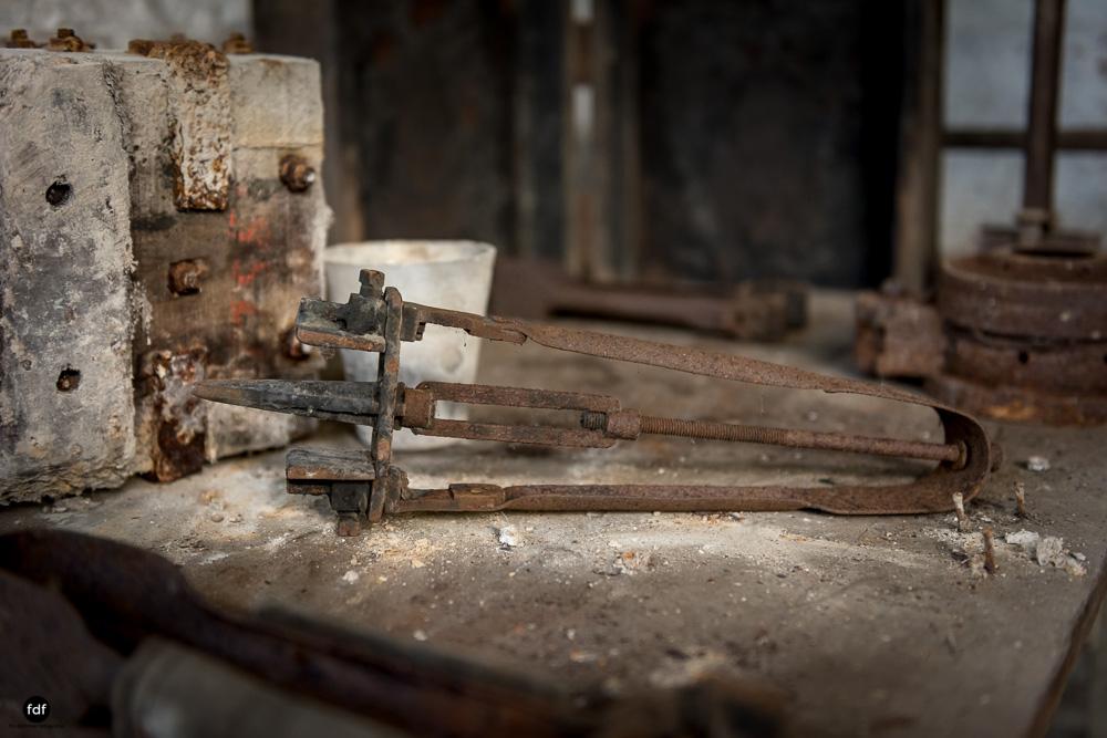 Cristallerie-Kristallfabrik-Lost Place-Belgien-118.JPG