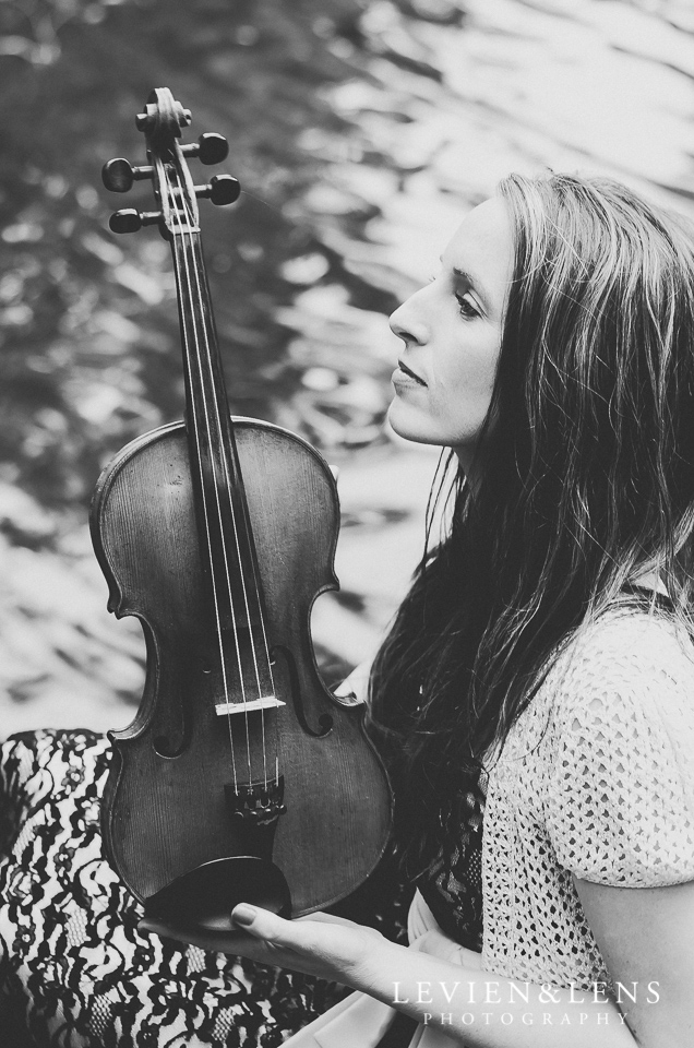 Girl with violin {Auckland NZ portrait photographer}