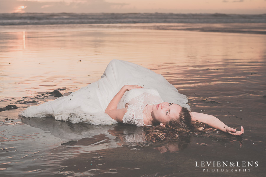 Stunning bridal portraits on Kariotahi beach