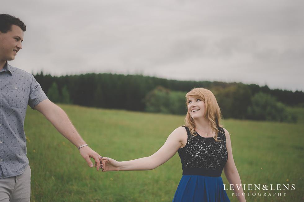 outdoor romantic engagement photo shoot {Waikato-Bay of Plenty couples-wedding photographer}