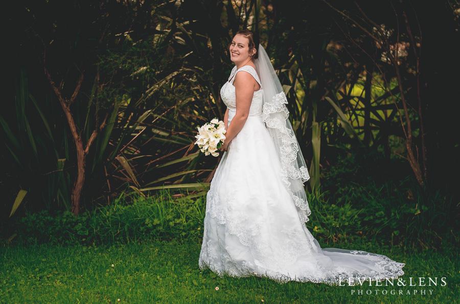 bride dress {Auckland-Hamilton lifestyle wedding-engagement photographer}