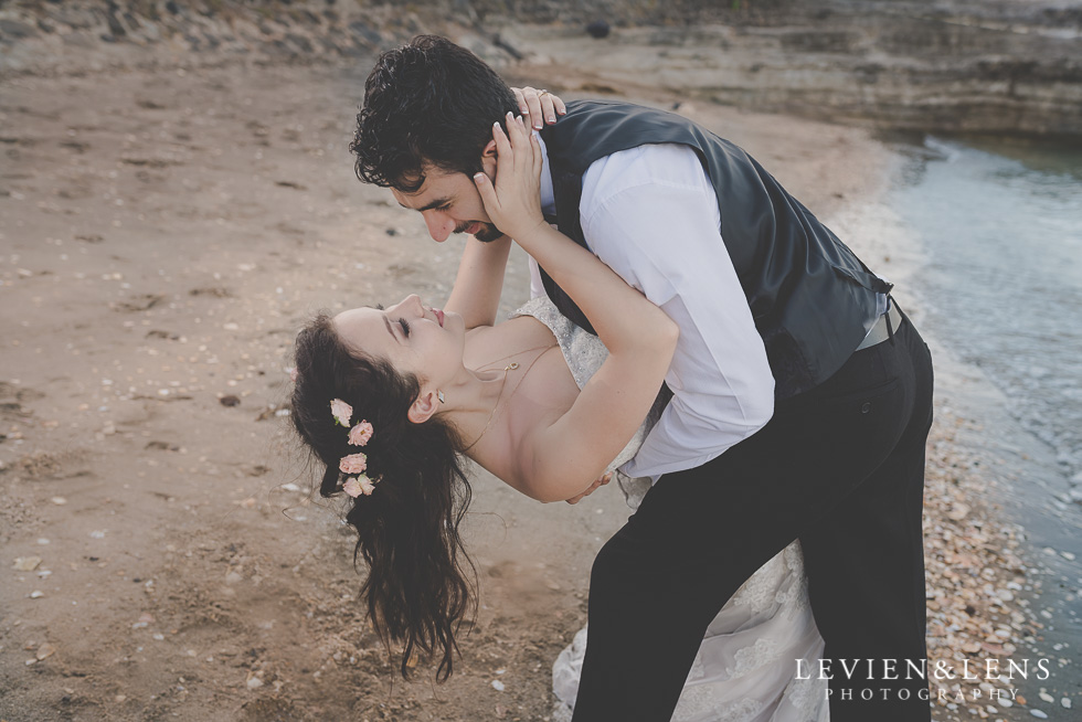 bride groom dance St Heliers beach {Auckland-Hamilton-Tauranga wedding photographer}